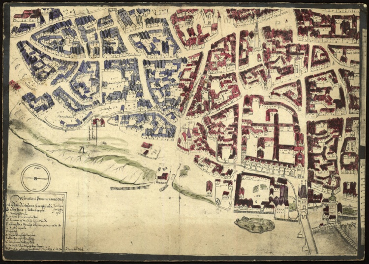 Plan of Prague, showing the old town in red and the Jewish Quarter in blue.