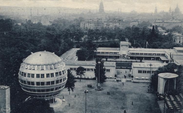 Kugelhause-and-Dresden-skyline